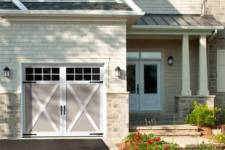5 Must-Have Accessories for a Stylish Garage Door